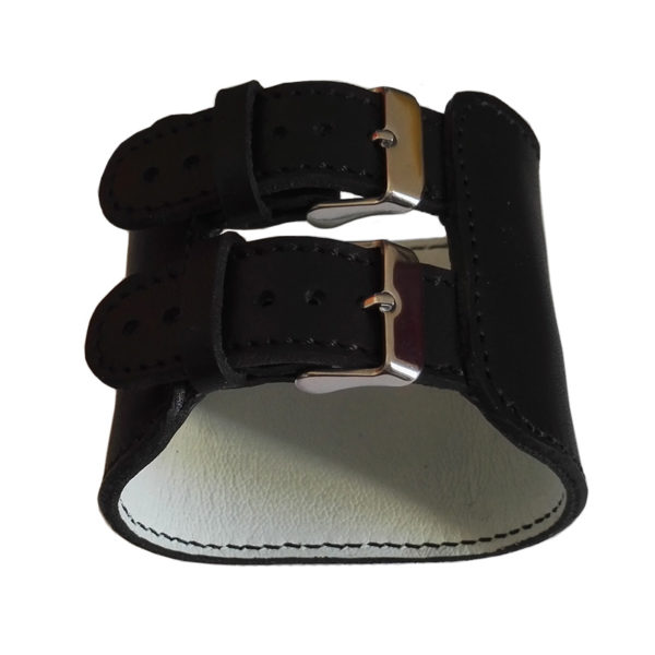 Boucles du bracelet cuir noir
