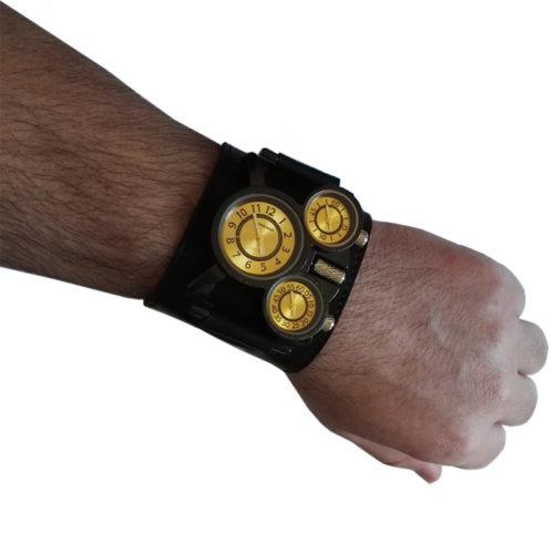 Montre Timezone vue portée au poignet
